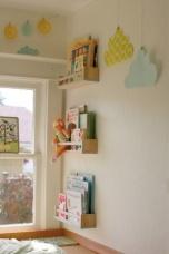 Móbile na parede feito de papel. Fácil, barato e lindinho!